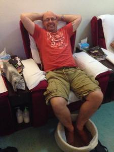 AA Foot massage